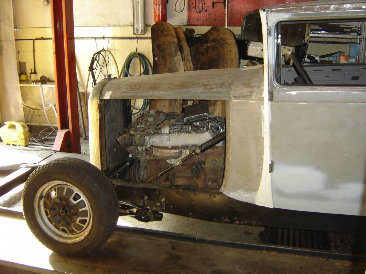Moteur  Nissan V6 injection  en place