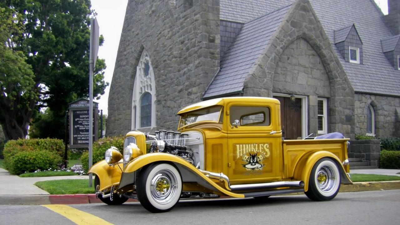 1932 Gold Ford Pickup