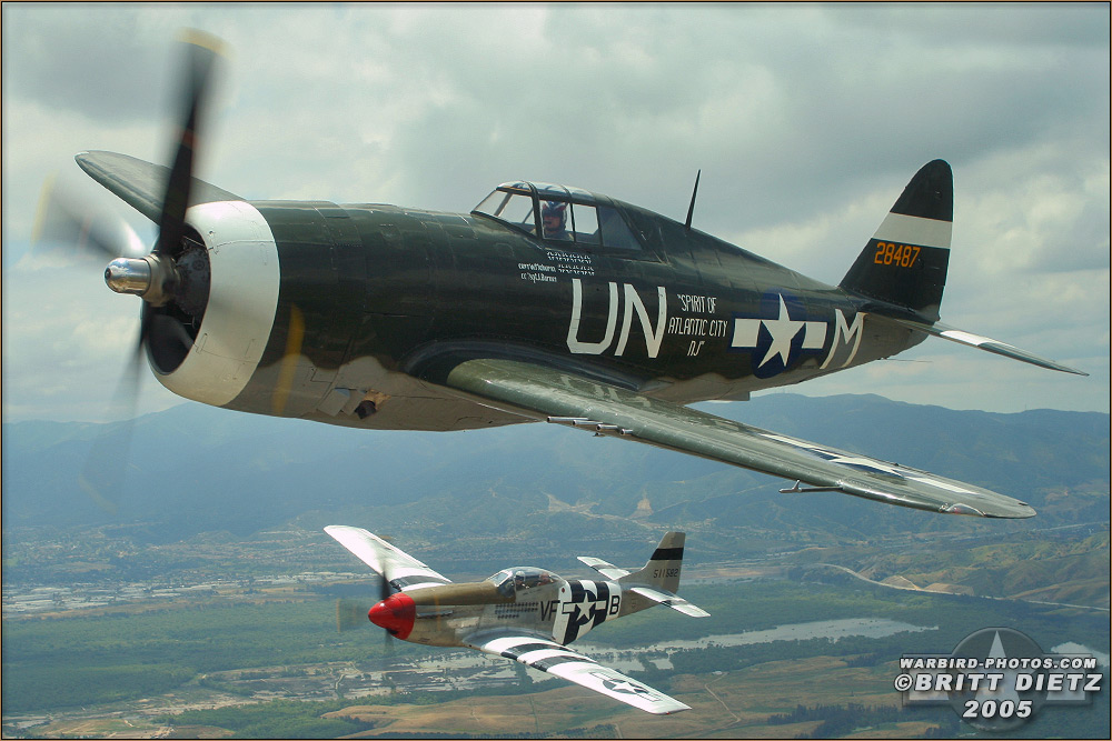 P-47G_Thunderbolt - P-51D Mustang