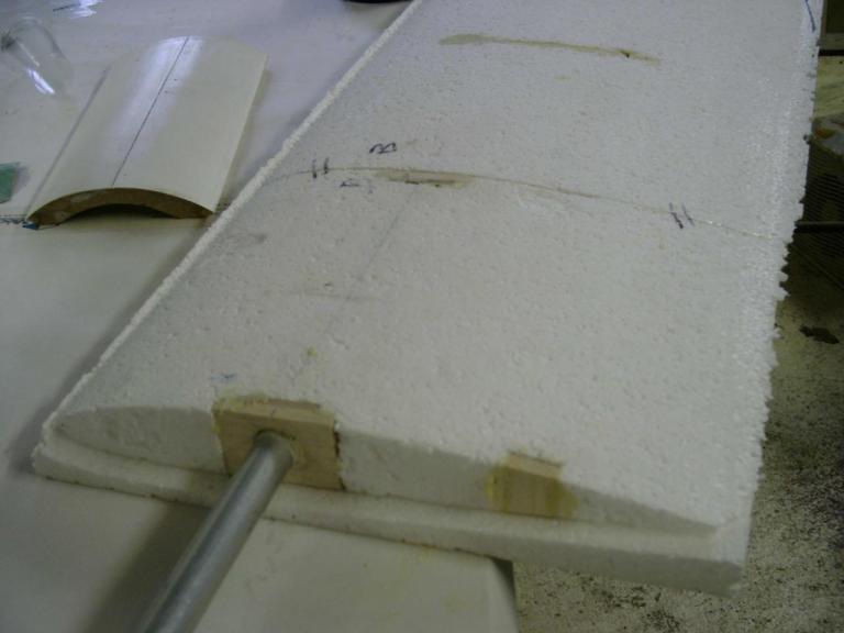 Préparation  et mise en place Fourreau et clée d'aile Alu 4 G