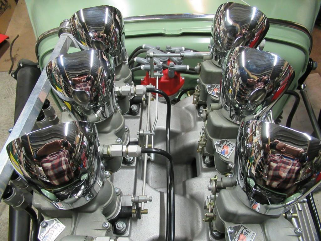 Belle brochette ces six carburateurs