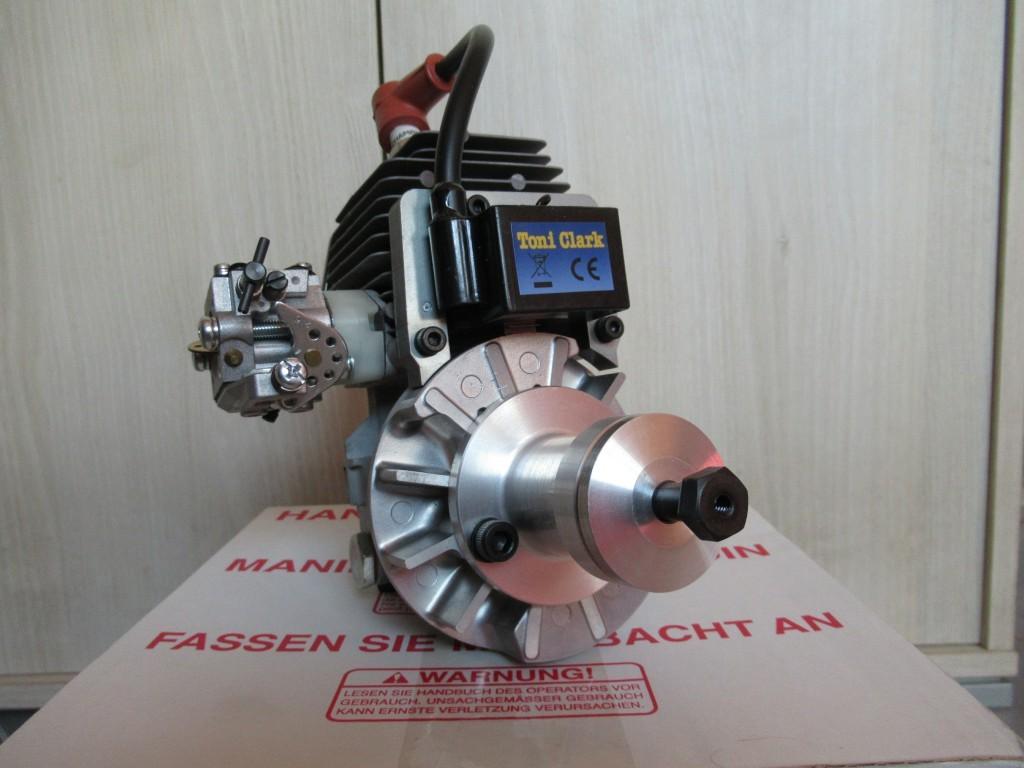 Le  moteur  sera équipé du réducteur  pour la version