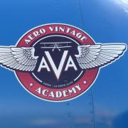 Le  joli logo d ' Aéro Vintage Academy