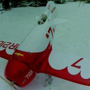 le Gee Bee dans la neige
