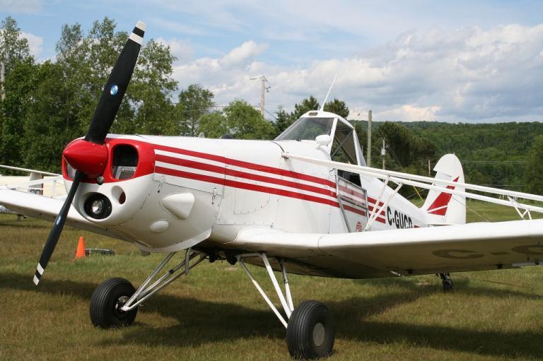 """Piper Pawnee """" avion conçu pour le traitement agricole """""""