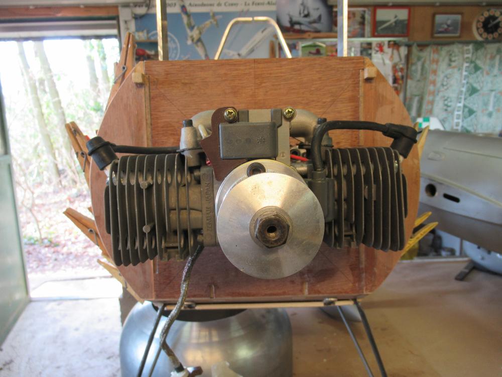 Fixation  provisoir  du moteur  Zénoah 74 cm3
