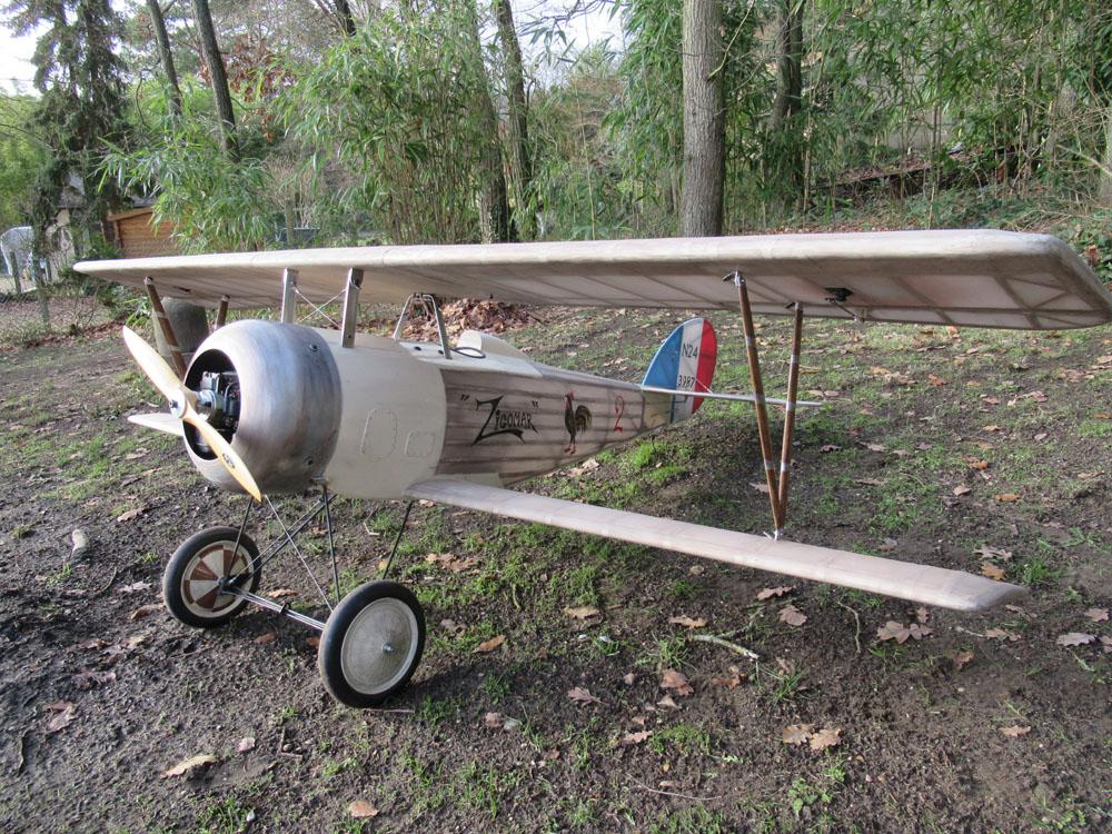 A ce stade , l'avion affiche les 17 kgs à vide  , le ZG 74cc  ne sera pas suffisant