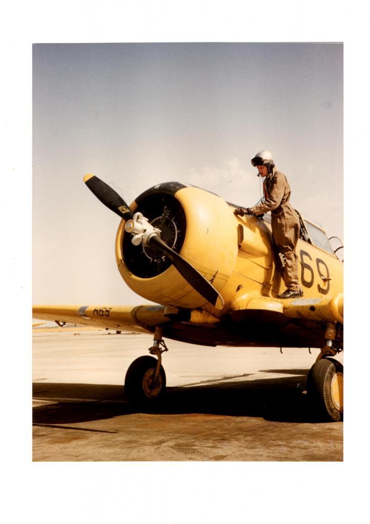 T6 en algérie ( Photo d'archive  de  JP. Baudin )