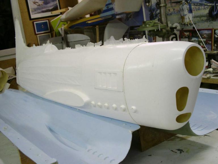 Tout juste sortie du moule  voici  le1er fuselage  avant ébavuration