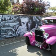 Elvis .. sa cadillac et le Ford A 1931