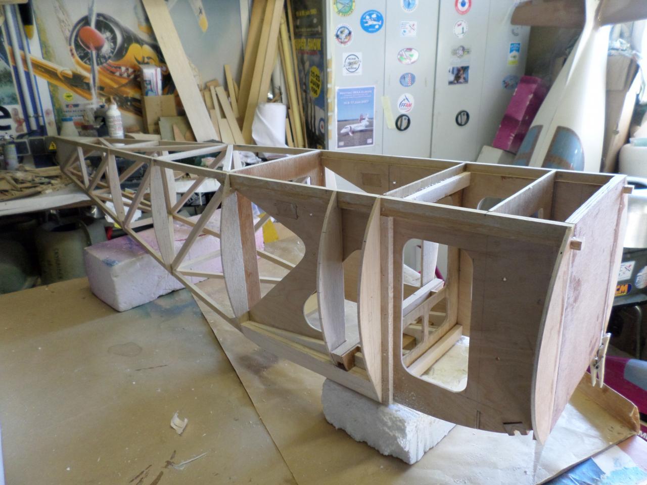 Structure fuselage en cour